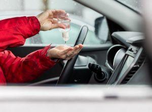 Взорвется ли в вашей машине флакон с антисептиком?